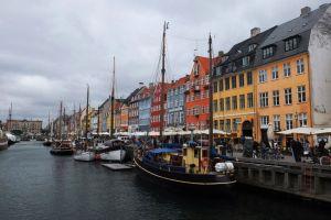 Nyhavn - shops, cafes, restaurants