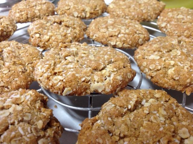 Ta da! Chewy, delicious anzac cookies!