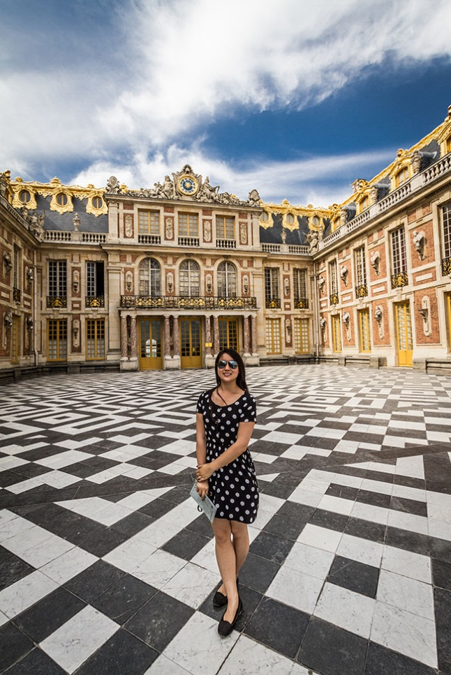 Ohai! It's me in front of the Palace of Versailles!