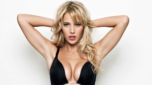 And the girl of the week is: Luisana Lopilato
