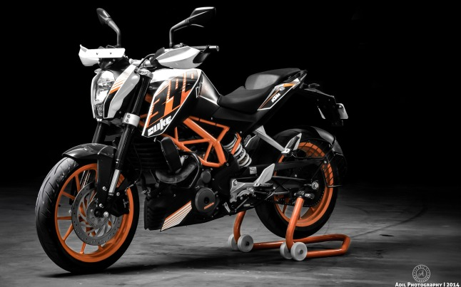 ktm-390-duke-motorcycle-hd-wallpaper-1920x1200-10447